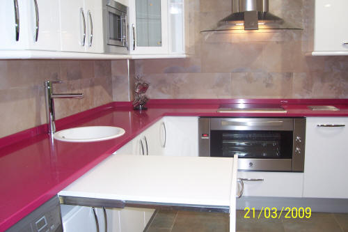 Muebles de cocina en pe aranda electrodom sticos armarios - Mesa extraible cocina ...