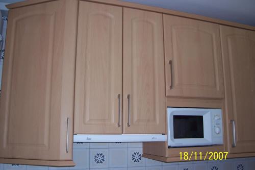 Muebles de cocina en pe aranda electrodom sticos armarios - Mueble alto microondas ...