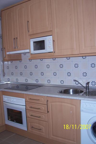 Muebles de cocina en pe aranda electrodom sticos armarios for Cocinas montadas